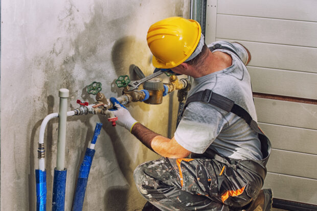 4 Tips For Finding The Right Plumbing Contractor - recommendations, plumbing, licensed, contractor, associations