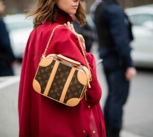 A Guide To Buying Designer Handbags - usage, texture, style, nahdbag, longevity, fit, designer, color, budget