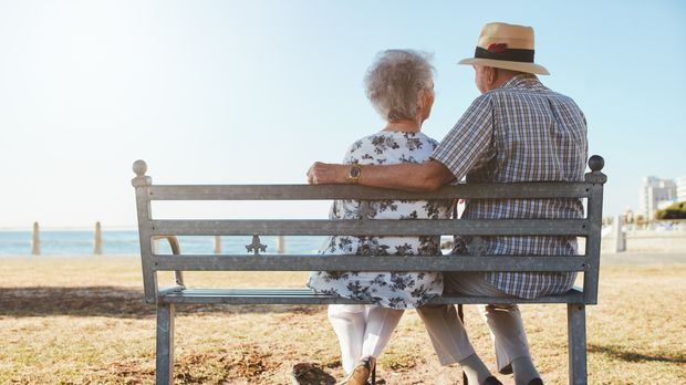 How to Retire Wealthy in 11 Steps - wealthy, retire, money, income, fund, debts