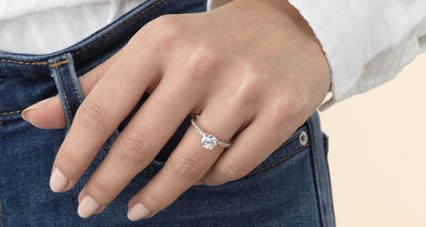 How to Get an Engagement Ring If You Have No Idea What You're Doing - ring, jewlery, enagagement, budget