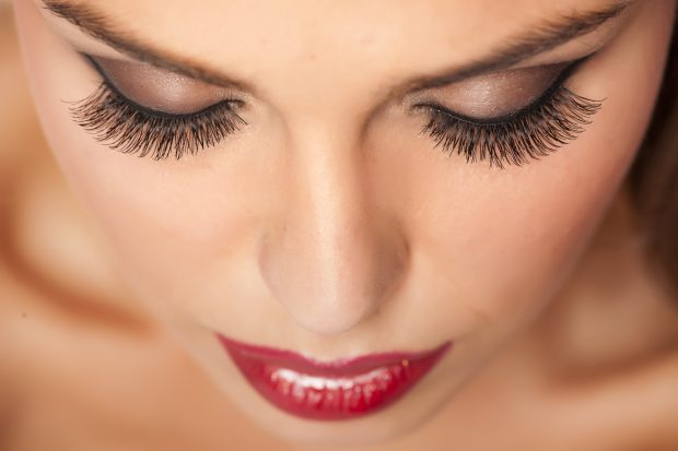 How to Get Perfect Eyelashes A Style Guide - style, perfect, eyelashed, curl, beauty