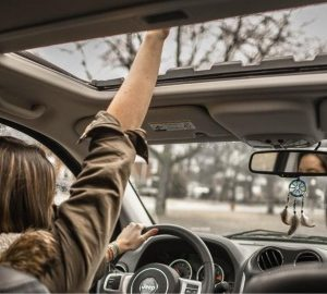 Sunroof Glass Or Mechanics Replacement – Is It Worth It? - sunroof, motor, mechanics, glass, damage, cracking, cars, breaking