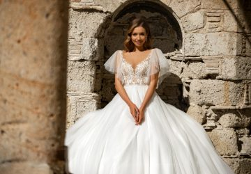 What Dress Is Better to Choose for a Wedding Photoshoot? - wedding, sheath, photoshoot, long-train, fashion, ball gown