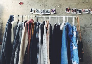 How to Move Clothes on Hangers - move, hangar, clothes