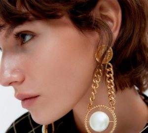 The Biggest Trend - The XL Earrings This Winter - XL earrings, trend earrings for this winter, style motivation, style, jewelry trends, jewelery, fashion style, fashion, eariings